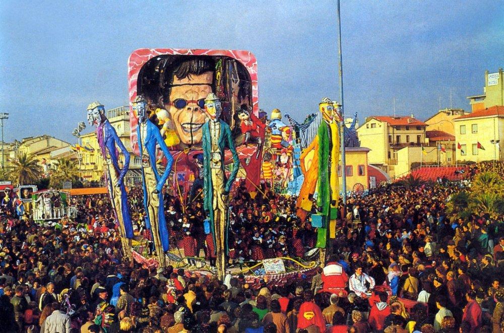 Futuro prossimo venturo di Gilbert Lebigre e Corinne Roger - Carri piccoli - Carnevale di Viareggio 1985