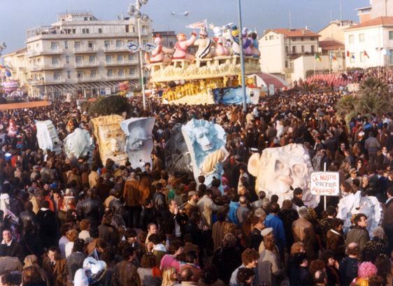 Le nostre pietre preziose di Gionata Francesconi - Mascherate di Gruppo - Carnevale di Viareggio 1985