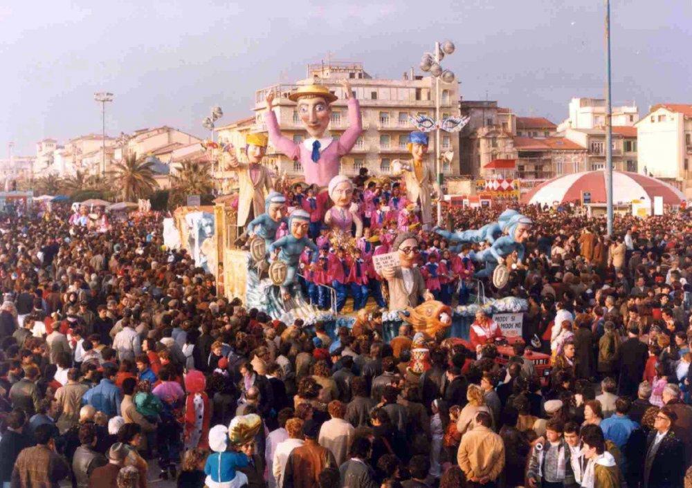 Modì sì, Modì no di Rione Marco Polo - Carri piccoli - Carnevale di Viareggio 1985