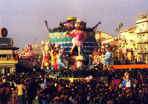 Spettacolo all'italiana di Paolo Lazzari - Carri grandi - Carnevale di Viareggio 1985