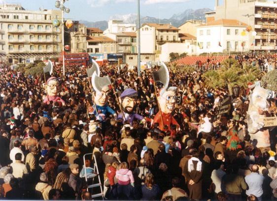 Andiamo a lavorare di Emilio Cinquini - Mascherate di Gruppo - Carnevale di Viareggio 1986