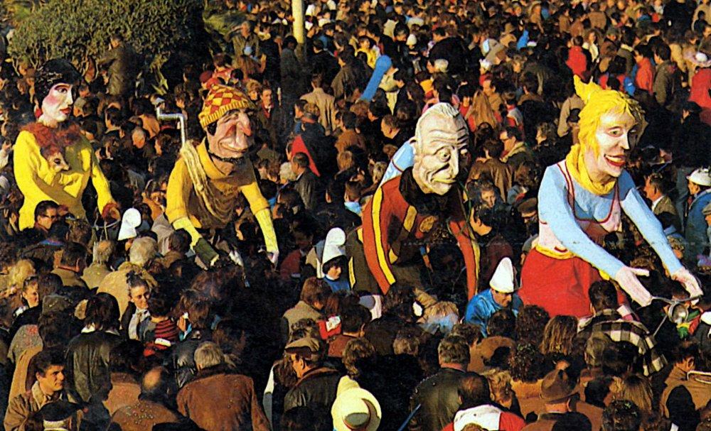 Bicimania di Luigi Miliani e Maria Lami - Mascherate di Gruppo - Carnevale di Viareggio 1986