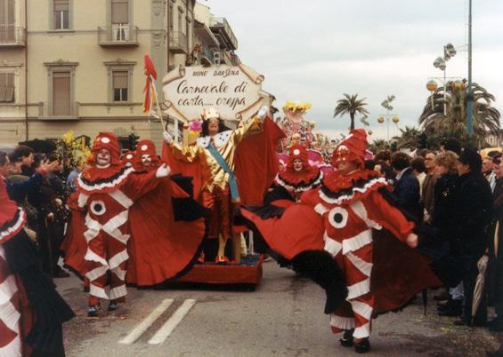 Carnevale in carta... crespa di Rione Darsena - Palio dei Rioni - Carnevale di Viareggio 1986
