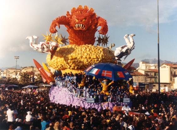 Guerre stellari di Silvano Avanzini - Carri grandi - Carnevale di Viareggio 1986