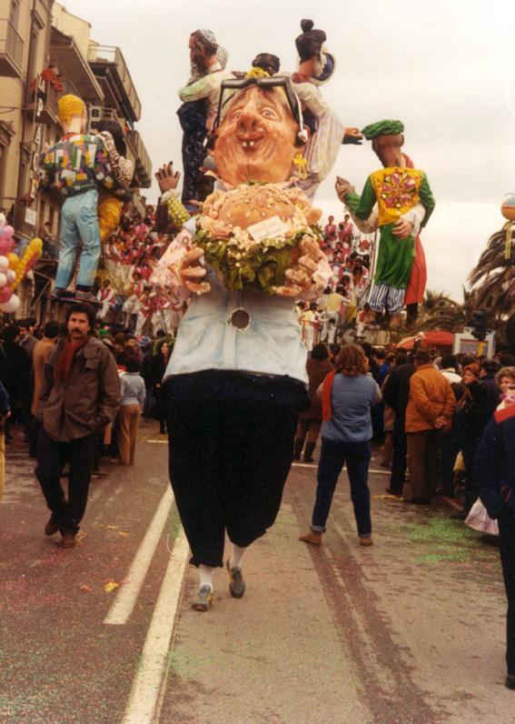 Il paninaro di Riccardo Luchini - Maschere Isolate - Carnevale di Viareggio 1986