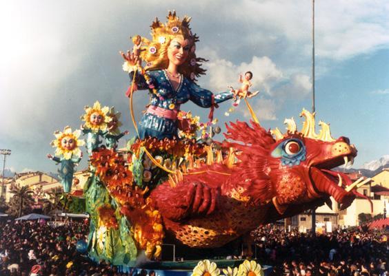 La bella e la bestia di Carlo Vannucci - Carri grandi - Carnevale di Viareggio 1986