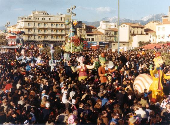 Le sagre paesane di Carlo e Giorgio Bomberini - Mascherate di Gruppo - Carnevale di Viareggio 1986