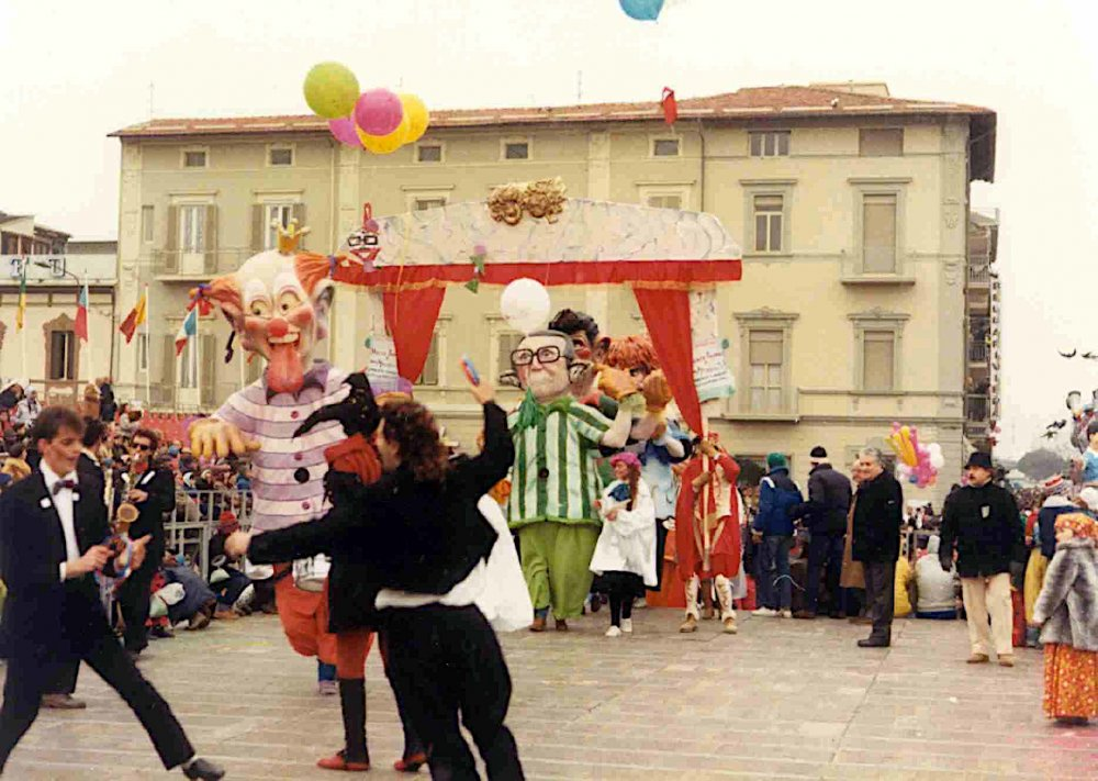 Niente paura è una mascherata di Umberto Cinquini e Alessandro Galli - Mascherate di Gruppo - Carnevale di Viareggio 1986