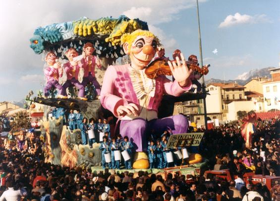Suonatori incompresi di Raffaello Giunta - Carri grandi - Carnevale di Viareggio 1986