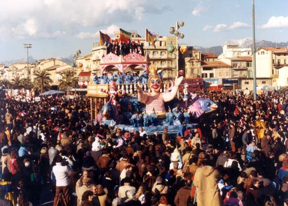 Una rotonda sul mare di Rione Vecchia Viareggio - Fuori Concorso - Carnevale di Viareggio 1986