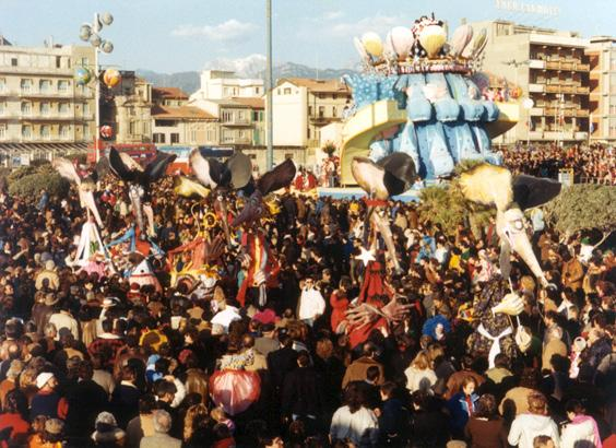 Utopia di pace di Mariangela Rugani - Mascherate di Gruppo - Carnevale di Viareggio 1986