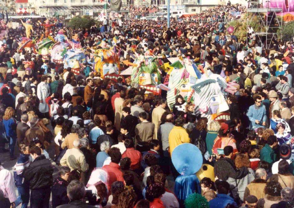 Cervelli pesanti di Umberto Cinquini, Alessandro Galli - Mascherate di Gruppo - Carnevale di Viareggio 1987