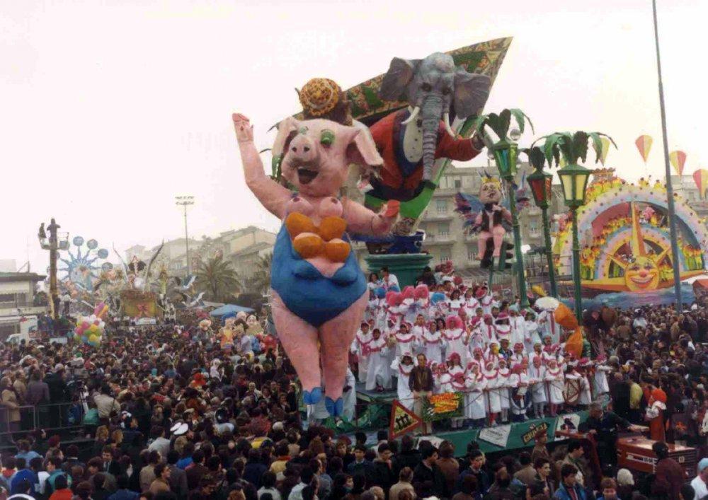 Giungla di mezzanotte di Gilbert Lebigre e Corinne Roger - Carri grandi - Carnevale di Viareggio 1987