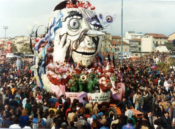 Il giorno dopo... le guerre stellari di Giovanni Strambi e Guidobaldo Francesconi - Carri piccoli - Carnevale di Viareggio 1987