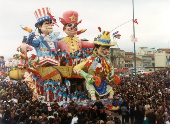La fine del cavallo bravo di Giulio Palmerini - Carri grandi - Carnevale di Viareggio 1987