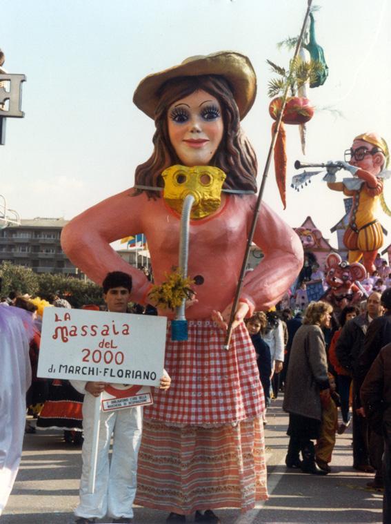 La massaia del duemila di Floriano Marchi - Maschere Isolate - Carnevale di Viareggio 1987
