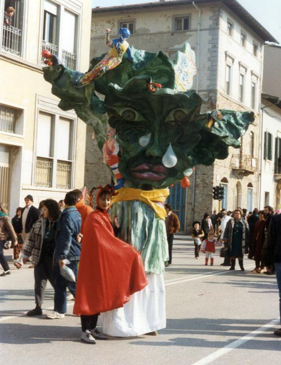 La signora Foglia Larga di Alessandra Bianchi - Maschere Isolate - Carnevale di Viareggio 1987