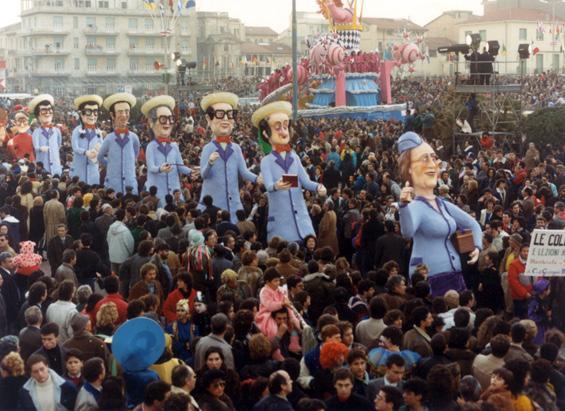 Le collegiali e lezioni anticipate di Carlo e Giorgio Bomberini - Mascherate di Gruppo - Carnevale di Viareggio 1987
