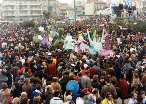 Siamo o non siamo più commestibili di Gianluca Cupisti - Mascherate di Gruppo - Carnevale di Viareggio 1987