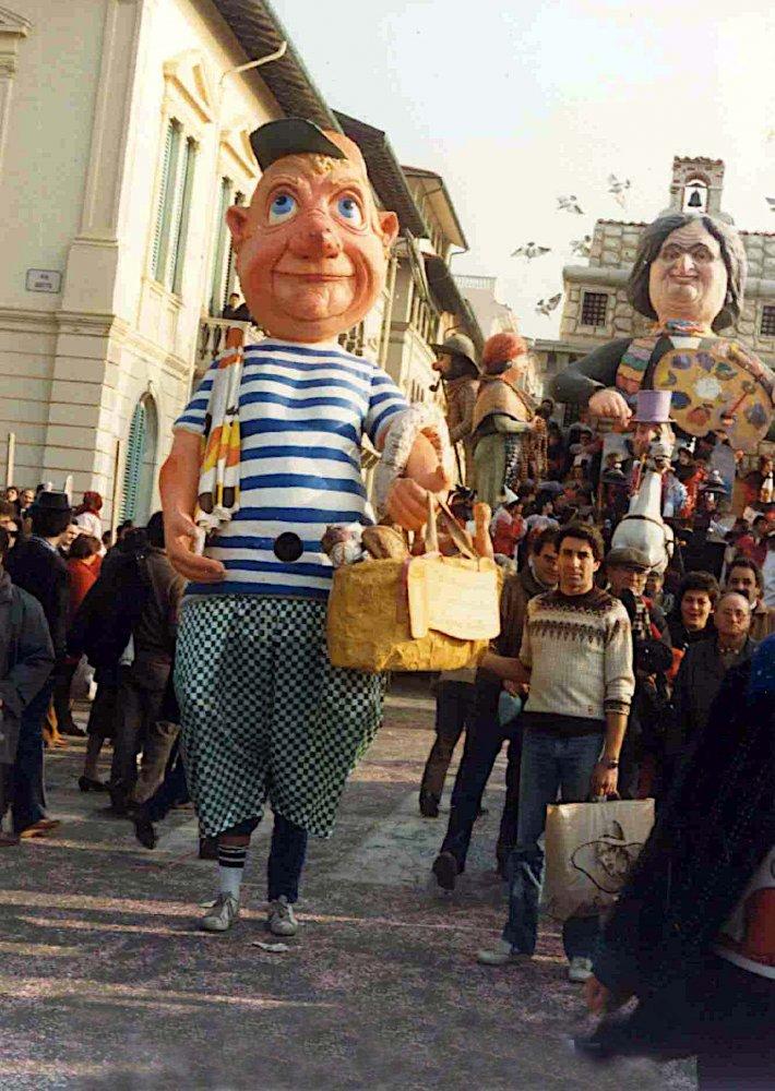 Un lucchese al corso di Eugenio Riotto - Maschere Isolate - Carnevale di Viareggio 1987