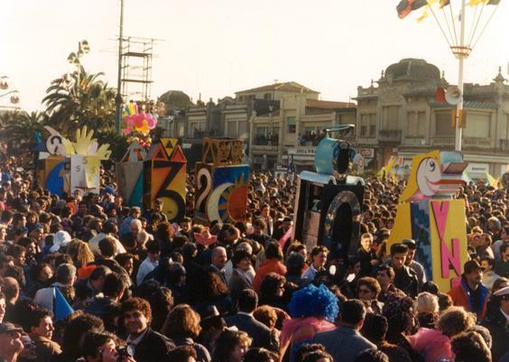 Che numeri di Gianluca Cupisti - Mascherate di Gruppo - Carnevale di Viareggio 1988