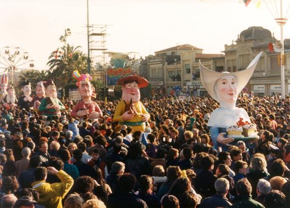 Gita dell'amicizia di Gionata Francesconi - Mascherate di Gruppo - Carnevale di Viareggio 1988