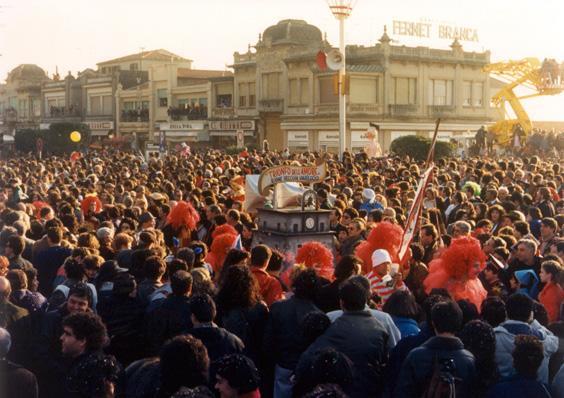 Il trionfo dell'amore di Rione Vecchia Viareggio - Palio dei Rioni - Carnevale di Viareggio 1988
