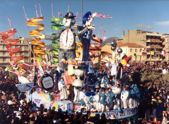 La danza del tempo di Piero Farnocchia - Carri piccoli - Carnevale di Viareggio 1988