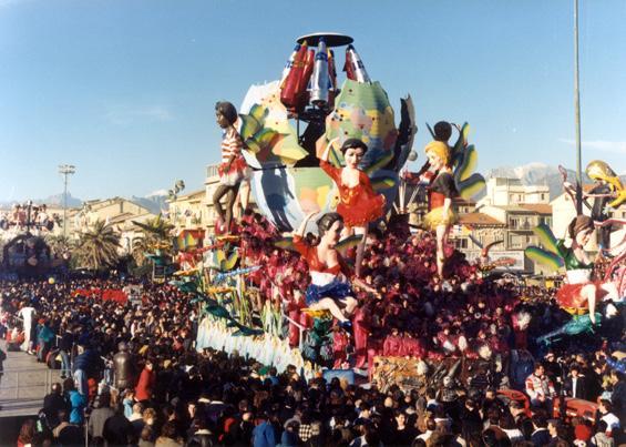 La danza delle libellule di Paolo Lazzari - Carri grandi - Carnevale di Viareggio 1988