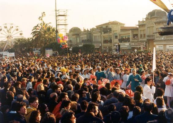 La sanità così non va di Liceo Scientifico e Rione Vecchia Viareggio - Palio dei Rioni - Carnevale di Viareggio 1988