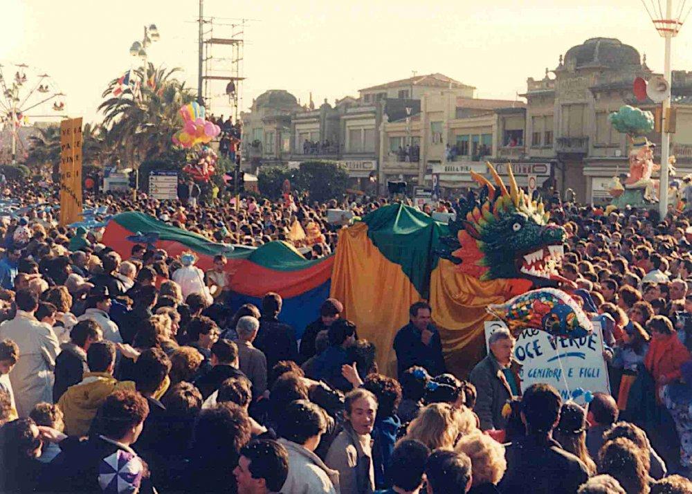 La vera pace vince ogni rischio di Rione Croce Verde-Centro e Parrocchia S.Antonio - Palio dei Rioni - Carnevale di Viareggio 1988