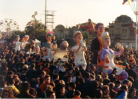 Le allegre corsie di Carlo e Giorgio Bomberini - Mascherate di Gruppo - Carnevale di Viareggio 1988