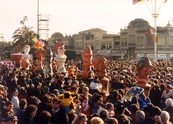 Scacco al re bianco di Luigi Miliani e Maria Lami - Mascherate di Gruppo - Carnevale di Viareggio 1988