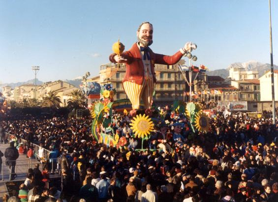 Tenore di vita di Giovanni Strambi - Carri piccoli - Carnevale di Viareggio 1988