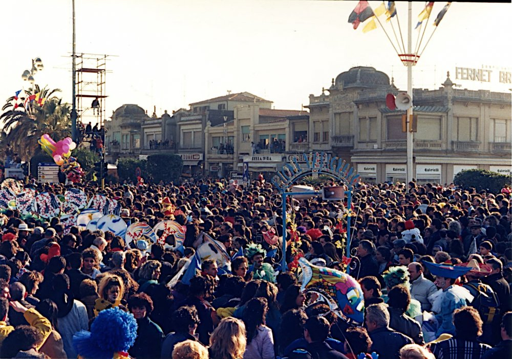 Viareggio sei bella così di Rione Varignano - Palio dei Rioni - Carnevale di Viareggio 1988