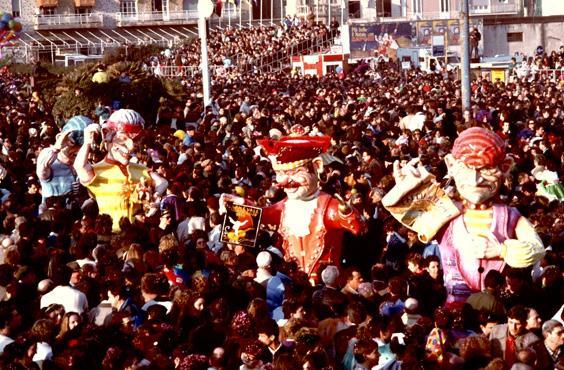 Caccia al tesoro di Franco Malfatti - Mascherate di Gruppo - Carnevale di Viareggio 1989