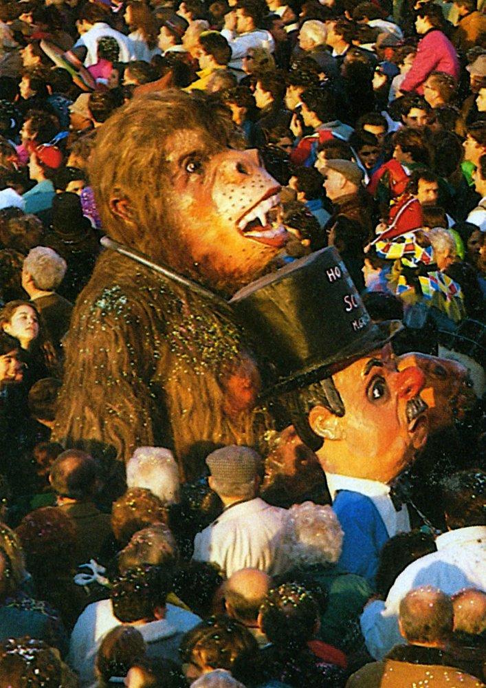 Ho preso una scimmia di Maria Grazia Canova - Maschere Isolate - Carnevale di Viareggio 1989