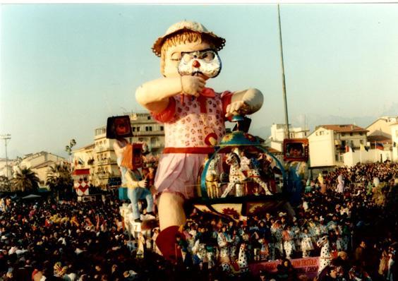 Non sono una trottola di Michele Canova (cons. Davino Barsella) - Carri piccoli - Carnevale di Viareggio 1989