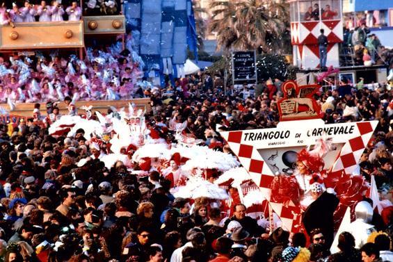 Triangolo di carnevale di Rione Darsena - Palio dei Rioni - Carnevale di Viareggio 1989