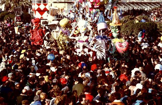Veglione a raggi X di Gionata Francesconi - Mascherate di Gruppo - Carnevale di Viareggio 1989