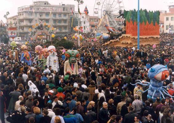 Civiltà futura di Simone Politi - Mascherate di Gruppo - Carnevale di Viareggio 1990