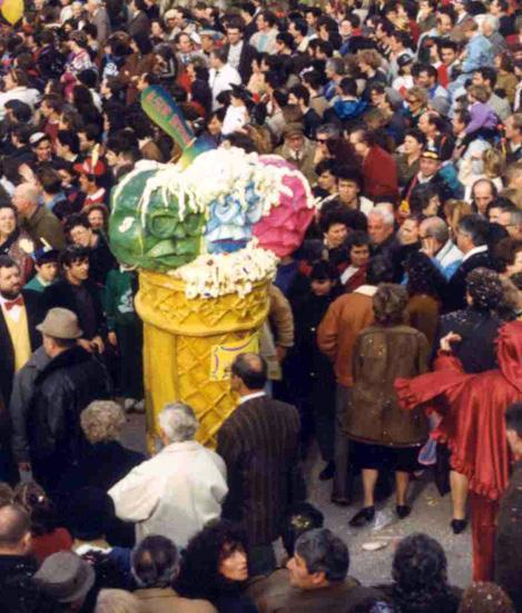 Il Sor Bettino di Glauco e Patrizia Dal Pino - Maschere Isolate - Carnevale di Viareggio 1990