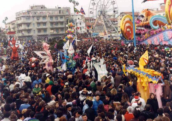 L'arlecchinata di Gianluca Cupisti - Mascherate di Gruppo - Carnevale di Viareggio 1990