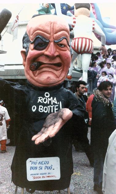 Più nero non si può di Sergio Dell'Innocenti - Maschere Isolate - Carnevale di Viareggio 1990