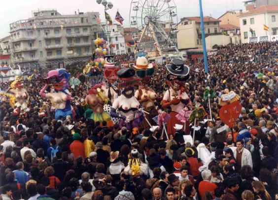 Salviamo gli uccellini di Umberto e Stefano Cinquini - Mascherate di Gruppo - Carnevale di Viareggio 1990